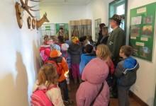 """Osnovnoškolci iz Kraljevca na Sutli posjetili izložbu """"Lovci – zaštitari prirode"""""""