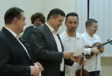 "Gradonačelnik Gregurović bolji u pjevanju ""Šuoštara"", ali dožupan Ferek – Jambrek zato bolje toumplja šuoljine"