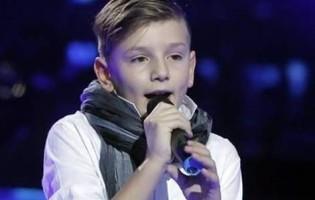 """Desetogodišnja zvjezdica Dino Miklaužić osvojio srca žirija i publike izvedbom """"Suze za zagorske brege"""""""