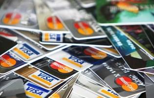 """""""Peglanjem kartica i ulaskom u minus samo nastojimo podmiriti osnovne životne troškove"""""""