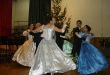 Zaplešite bečki i engleski valcer, slowfox i foxtrot na plesnom tečaju u Kumrovcu