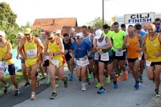 Gornjostubički atletičar Dražen Dinjar, među tisuću natjecatelja iz osam zemalja, osvojio četvrto mjesto na Splitskom polumaratonu