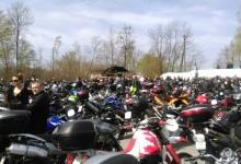 Na 22. blagoslovu motora 1800 vozača motocikla i mopeda