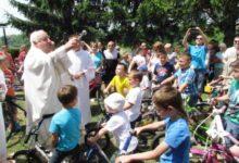 Blagoslov bicikala, ljiljana, trudnica i djece