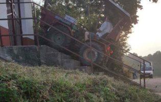 Zbog zagovora Majci Božjoj, traktorom se popeo po stepenicama i zapalio svijeću