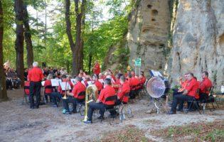 Gradski puhački orkestar Krapina oduševio publiku, a gradonačelnika Gregurovića pozvali da im se pridruži nakon političke karijere