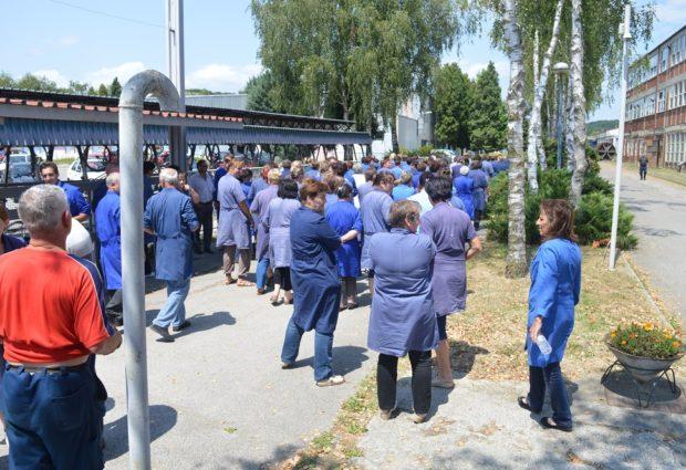 Trećina radnika, njih 70-ak, od ponedjeljka ponovo rade, dovršavaju narudžbu izrade dvije tisuće motorističkih čizama