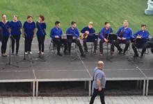 """ŽVG """"Lira"""" i tamburaši KUD-a Đurmanec održali koncert u dvorištu Galerije, danas predstava """"Skupština"""""""