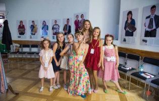 Na Međunarodnom dječjem festivalu, Karla Miklaužić (9) i Tijana Vlaisavljević (6) osvojile treće mjesto