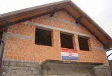 Asfaltirane ceste, uređen Društveni dom u naselju Pece i čekaonica ambulante