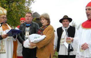Vinski svetac danas prvo navratio u Titov Kumrovec, biškup isprva pristao krstiti samo crveno vino