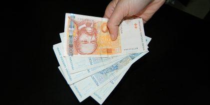 Ukradeno dizel gorivo, novac i cigarete