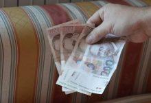 Dvojica lopova ukrali novac iz obiteljske kuće