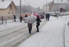 Prve prometne nevolje već započele, obilan bijeli pokrivač u Jesenju, Petrovskom, Loboru…