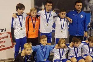 Mlađi pioniri NK Zagorca iz Krapine osvojili prvo mjesto na zimskoj ligi Velesajam 2017.