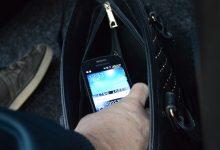 Ukrali joj mobitel iz torbice koju je držala ispod stola