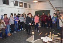Osnovnoškolci zaigrali društvene igre i družili se s umirovljenicima