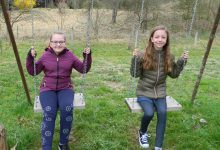 PONOS DESINIĆA: Petra i Lara brzom reakcijom i snalažljivošću spriječile požar drvene vikendice