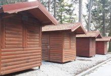 U zakup na šest mjeseci daju se dvije montažne kućice na Hušnjakovom