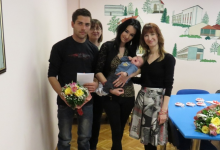 Roditeljima mališana novčana pomoć, cvijeće i licitarska srca
