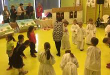 """Mališanima iz Dječjeg vrtića """"Maslačak"""" na poklon stigle tradicijske drvene igračke iz Marije Bistrice"""