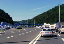 Za ulazak u Hrvatsku automobili čekaju dva i pol, a autobusi i kamioni i do četiri sata