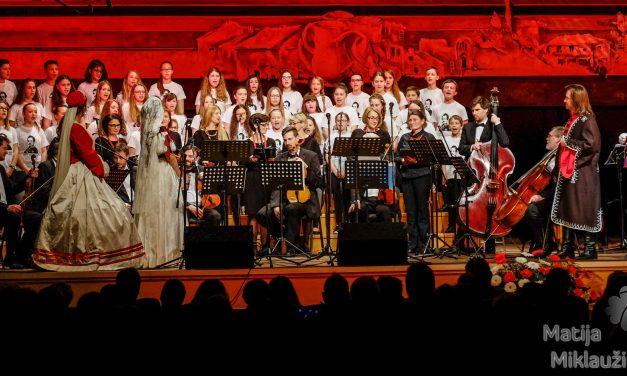 """U Festivalskoj dvorani održan koncert """"Gaju u  čast"""", s originalnom glazbom i kostimima iz razdoblja preporoda"""