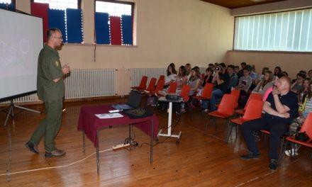 Branitelji održali predavanje za gornjostubičke osnovce
