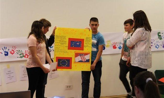 """VIDEO: Zabočki osnovnoškolci sudjelovali na radionici pod nazivom """"Percepcija Europske unije i gdje se nalaze mladi"""""""