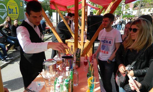 Mladi konobari pokazali prije svega humanitarno srce, a najbrži od njih je Hrvoje Pisk iz Srednje škole Zabok