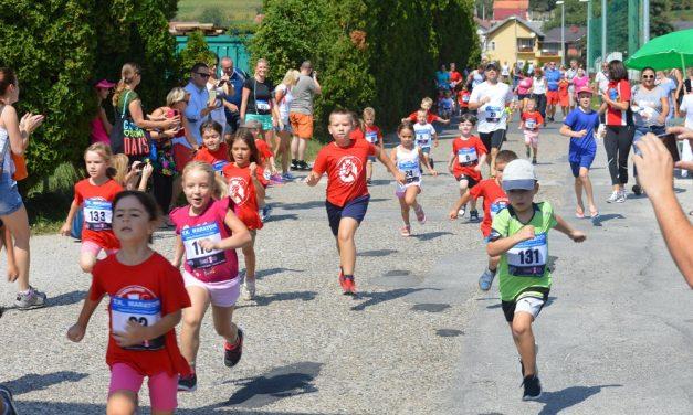 Prvi krapinski dječji maraton, radionice za mališane, nastup Puhačkog orkestra i mažoretkinja, i sve to uz humanitarni cilj