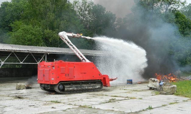 Antiterorističke jedinice MUP-a i krijumčari u oružanom sukobu, a u skladištu zapaljivih i eksplozivnih kemikalija buknuo požar