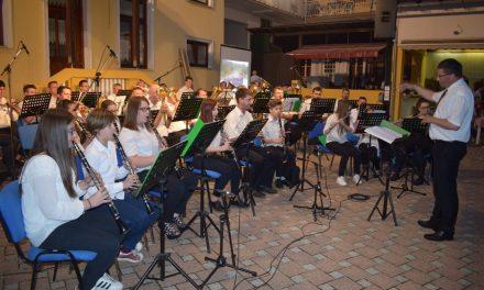 """Posjetitelji uživali u 12. Glazbenoj večeri Limene glazbe KUD-a """"Lovro Ježek"""""""
