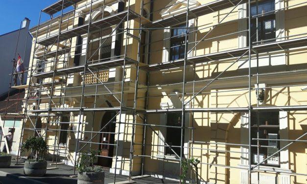 Galerija grada Krapine dobiva novu fasadu, a uredit će se i kućica u dvorištu, u kojoj će se održavati umjetničke radionice