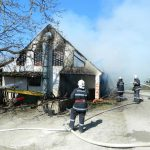 Zbog neispravnih električnih instalacija izgorio krov staje
