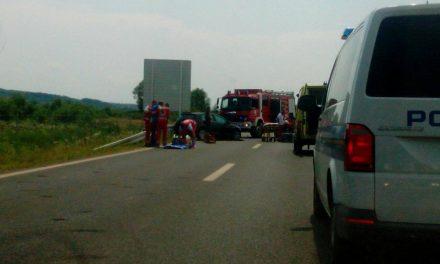 U sudaru tri automobila tri osobe ozlijeđene, hitno prevezene u Opću bolnicu Zabok