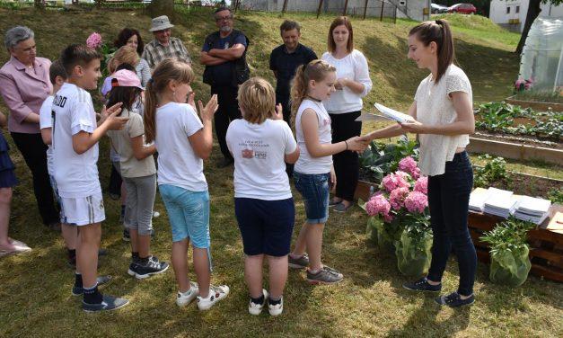 U Krušljevu Selu svečano otvoren tradicijski zagorski vrt kojeg će uređivati mališani