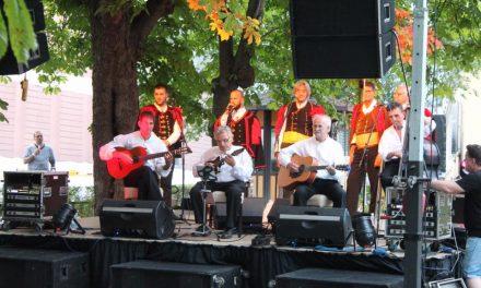Pred rekordnim brojem posjetitelja, koncert održala poznata Klapa Maslina