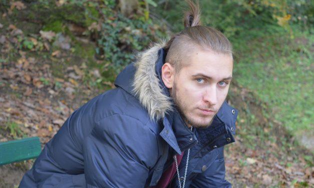 Jura Miljan (20) napisao stihove za novi singl Indire Levak, a pojavljuje se i u njezinom novom spotu