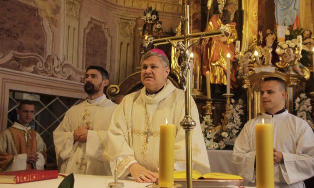 """""""Naši su branitelji nosili krunicu oko vrata i po Mariji su nam došli mir i sloboda"""""""