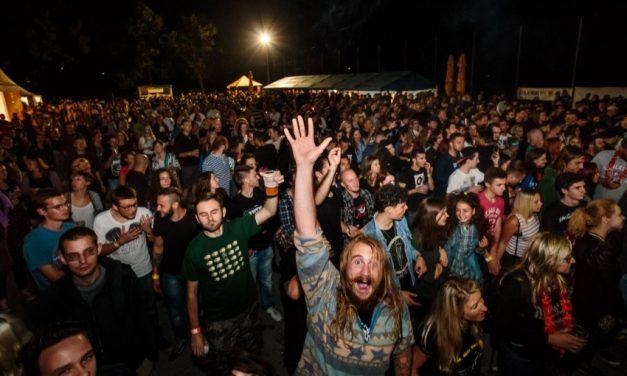 Na pozornici poznatog rock festivala nastupaju Elemental, Brkovi, Nina Romić, Repetitor, Kojoti, Cold Snap…
