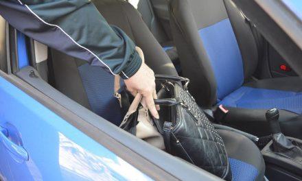 Kroz otvoren prozor automobila 66-godišnjaku ukrao novčanik i bankovnu karticu, s koje je tri puta pokušao podići novac, ali nije uspio
