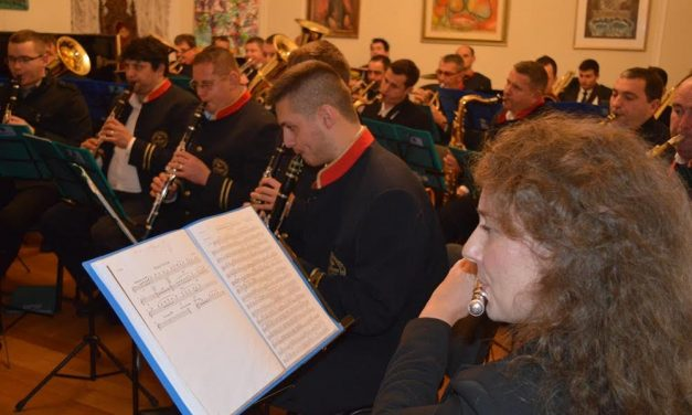"""Uz """"Pačetance"""", na Trgu hrvatske kraljice Jelene nastupaju i tri austrijska puhačka orkestra"""