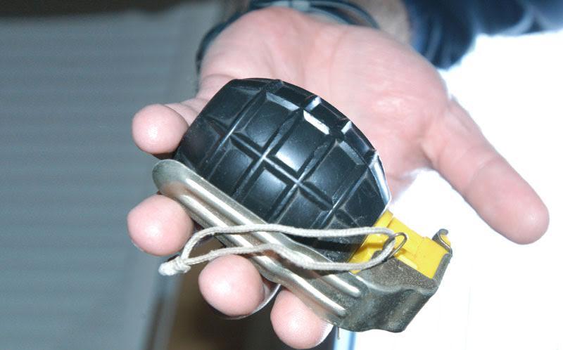 Policiji predao tri ručne bombe, 359 komada streljiva i dva protuavionska metka