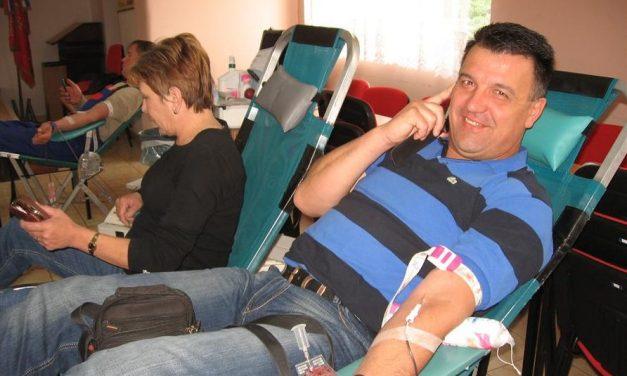 """""""Budite tu za nekog drugog. Dajte krv. Dijelite život"""""""