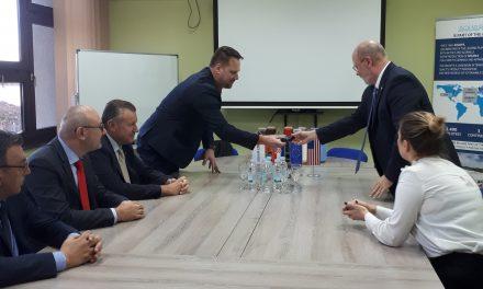 Američki veleposlanik Nj. E. William Robert Kohorst posjetio oroslavsko poduzeće AquafilCRO