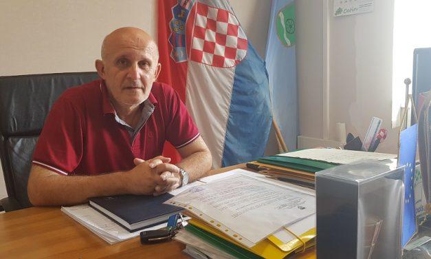 Načelnik Miholić potpisao ugovore o dodjeli stipendija za šestero srednjoškolaca