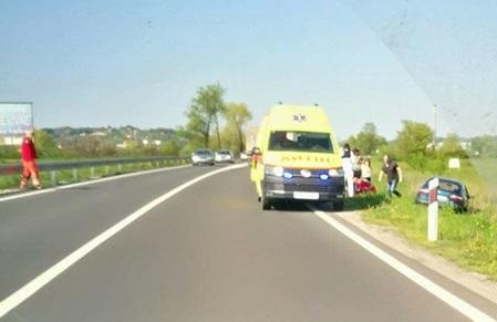 Izlijetanje s ceste u Zaboku (FOTO: Policija zaustavlja)