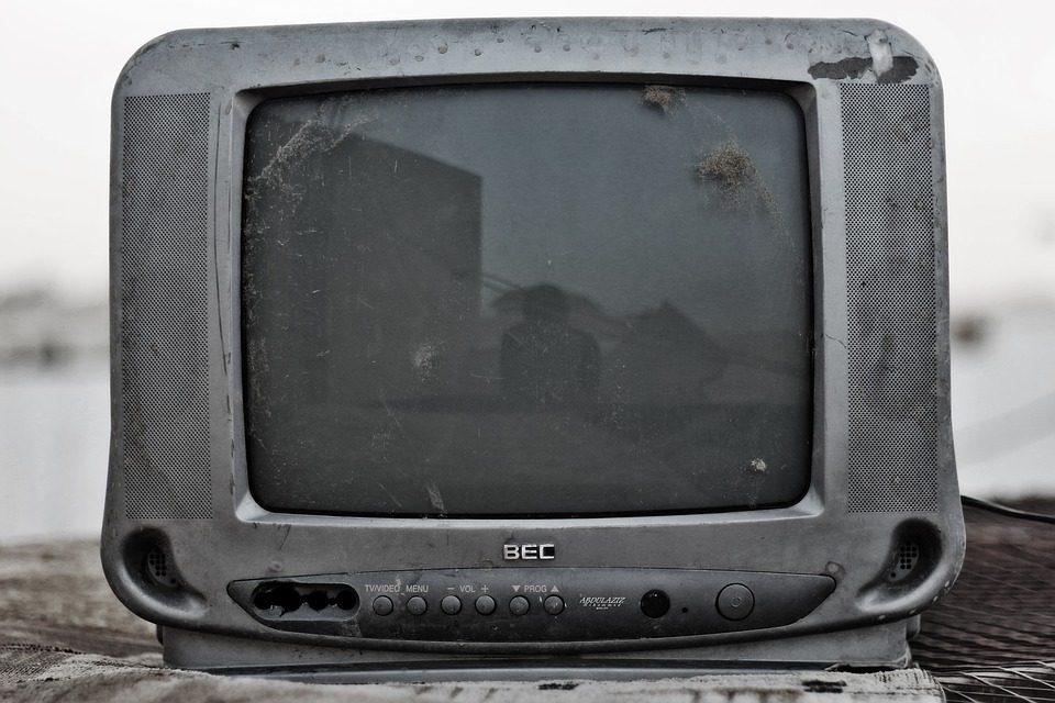 Eksplodirao mu televizor pa nastao požar