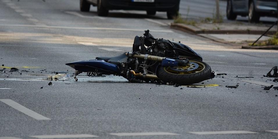 U Marincima, u sudaru s traktorom, ozlijeđen motociklist, u Lazima Krapinskim stablo palo na električne vodove
